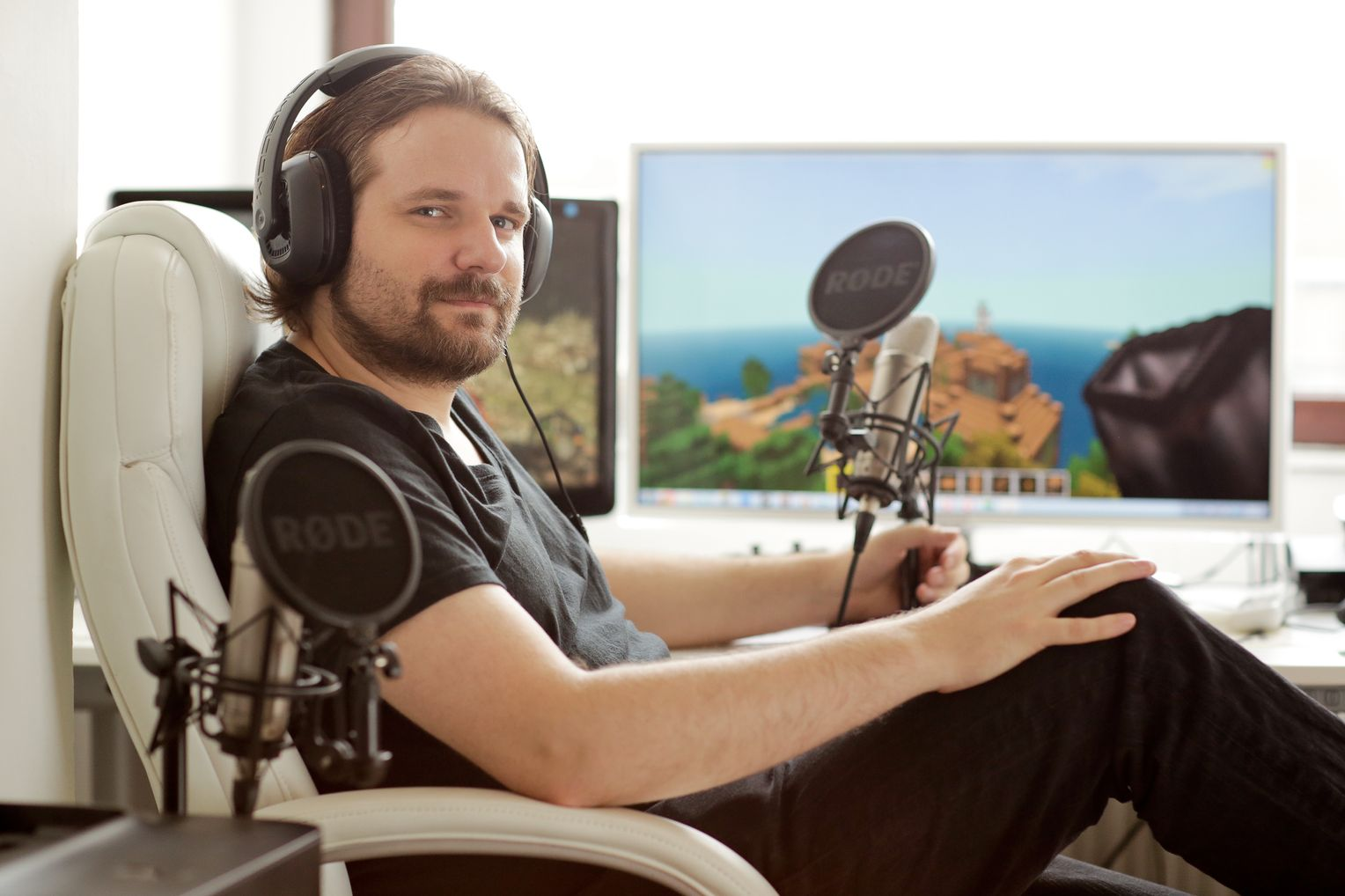 Gronkh-Playing-Minecraft.jpg