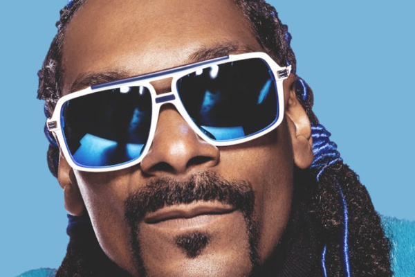 Snoop Dogg live on Twitch, but after just a few minutes the American rap legend is fed up!